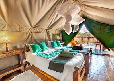 River Tent Lodges - Antelope Park 1