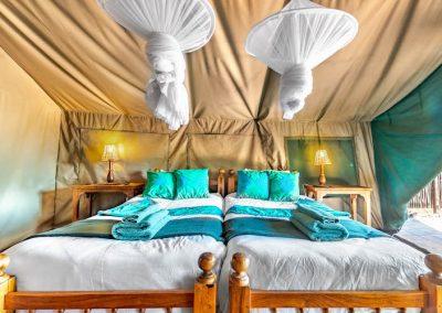 River Tent Lodges - Antelope Park 2