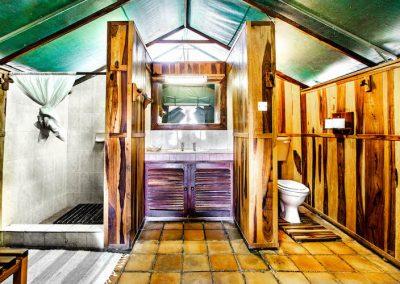 River Tent Lodges - Antelope Park 4