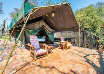 River Tent Lodges - Antelope Park 5